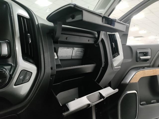 2015 Chevrolet Silverado 1500 Crew Cab 4x4, Pickup #1R1932 - photo 33