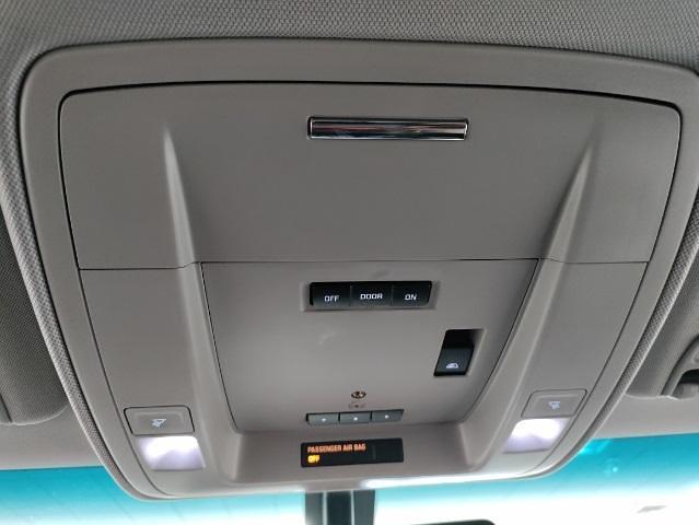 2015 Chevrolet Silverado 1500 Crew Cab 4x4, Pickup #1R1932 - photo 43