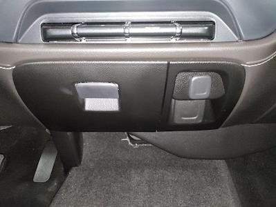 2015 Chevrolet Silverado 1500 Crew Cab 4x4, Pickup #1R1932 - photo 27