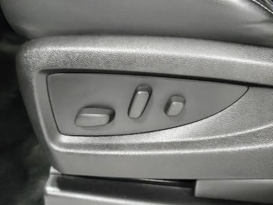 2015 Chevrolet Silverado 1500 Crew Cab 4x4, Pickup #1R1932 - photo 31