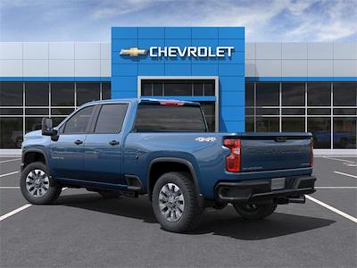 2021 Chevrolet Silverado 2500 Crew Cab 4x4, Pickup #227391 - photo 4