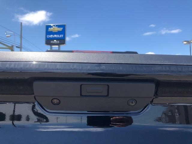 2021 Chevrolet Silverado 1500 Crew Cab 4x4, Pickup #301986 - photo 18