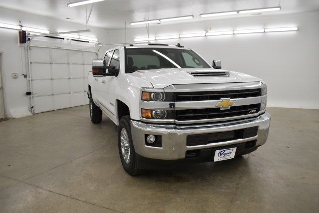 2019 Silverado 3500 Crew Cab 4x4,  Pickup #143625 - photo 3