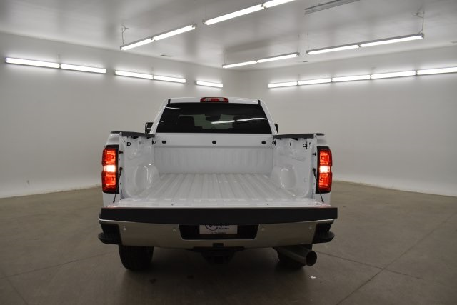 2019 Silverado 3500 Crew Cab 4x4,  Pickup #143625 - photo 25