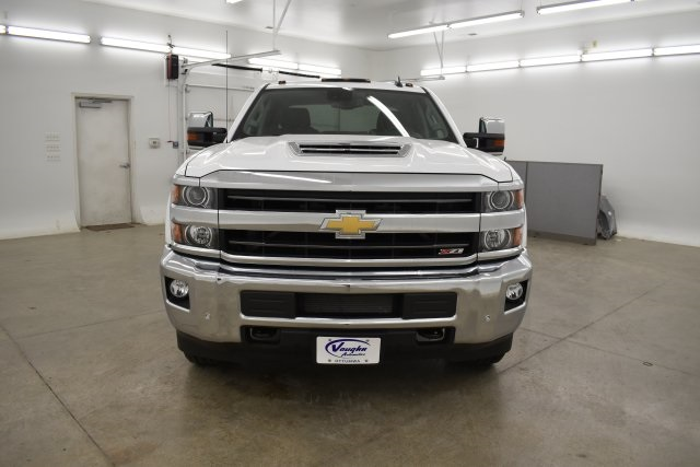 2019 Silverado 3500 Crew Cab 4x4,  Pickup #143625 - photo 4