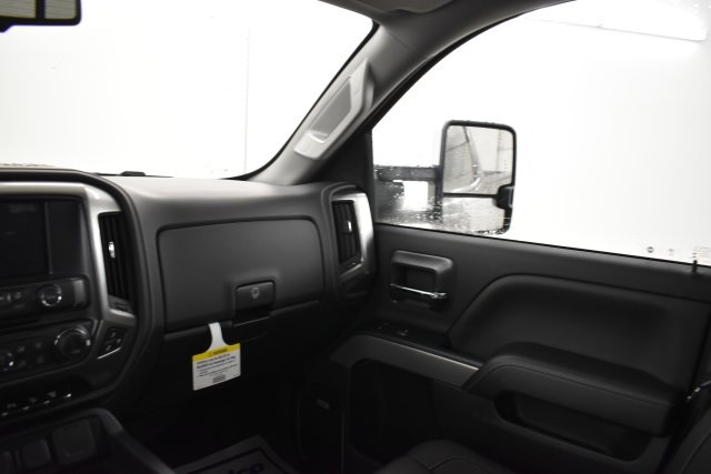 2019 Silverado 2500 Crew Cab 4x4,  Pickup #201067 - photo 15