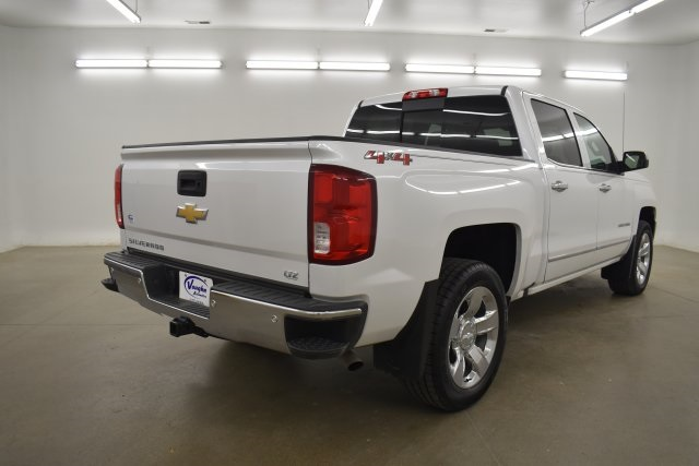 2018 Silverado 1500 Crew Cab 4x4,  Pickup #563992 - photo 11