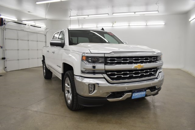 2018 Silverado 1500 Crew Cab 4x4,  Pickup #563992 - photo 3