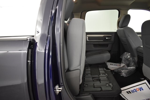 2019 Ram 1500 Crew Cab 4x4,  Pickup #C534466 - photo 35