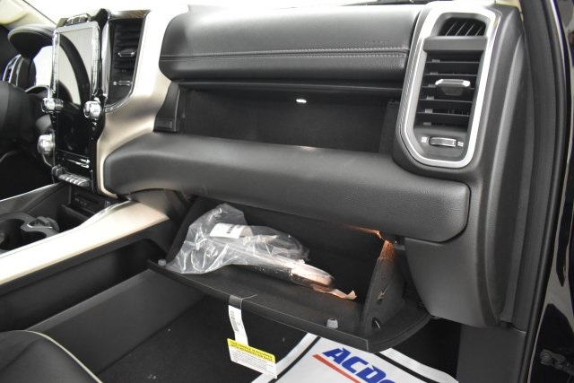 2019 Ram 1500 Crew Cab 4x4,  Pickup #C544206 - photo 33