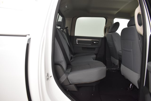 2019 Ram 1500 Crew Cab 4x4,  Pickup #C571117 - photo 33