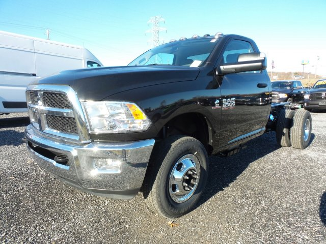 2018 Ram 3500 Regular Cab DRW 4x4,  Cab Chassis #T1839 - photo 5