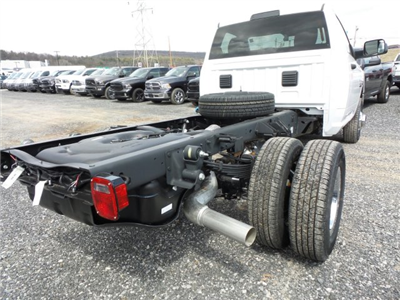 2018 Ram 3500 Regular Cab DRW 4x4,  Cab Chassis #T1846 - photo 2