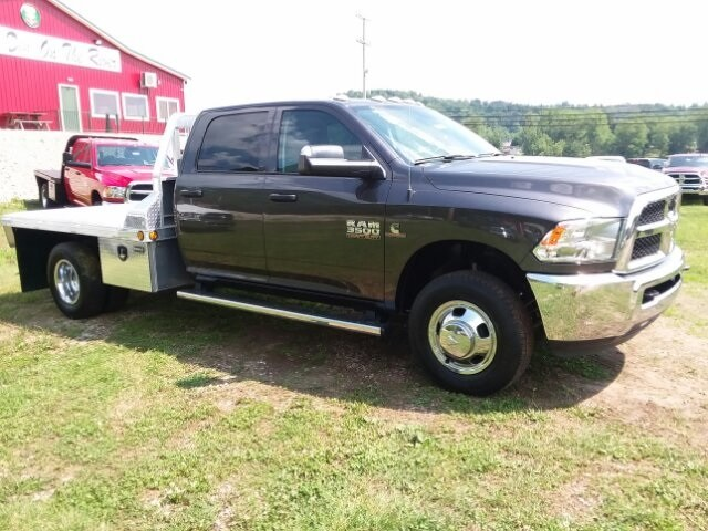 2018 Ram 3500 Crew Cab DRW 4x4,  Platform Body #C18377 - photo 8