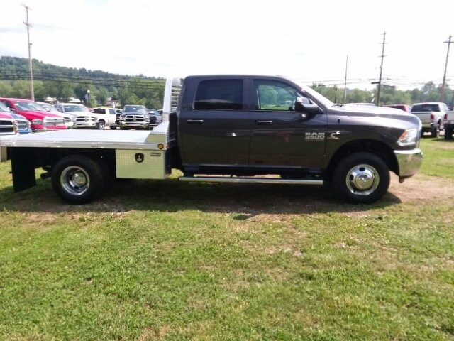 2018 Ram 3500 Crew Cab DRW 4x4,  Platform Body #C18377 - photo 9