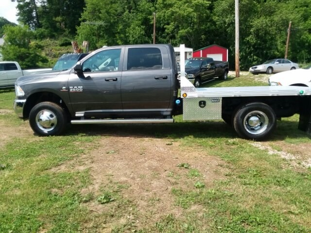 2018 Ram 3500 Crew Cab DRW 4x4,  Platform Body #C18377 - photo 14
