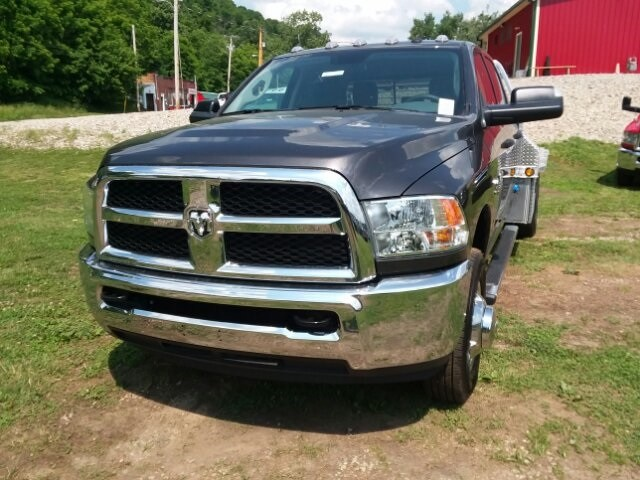2018 Ram 3500 Crew Cab DRW 4x4,  Platform Body #C18377 - photo 4