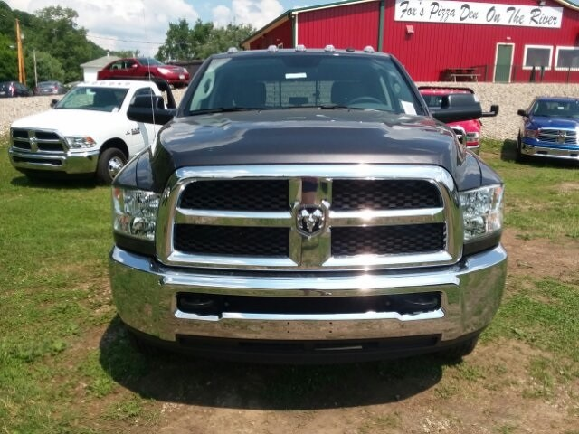 2018 Ram 3500 Crew Cab DRW 4x4,  Platform Body #C18377 - photo 5