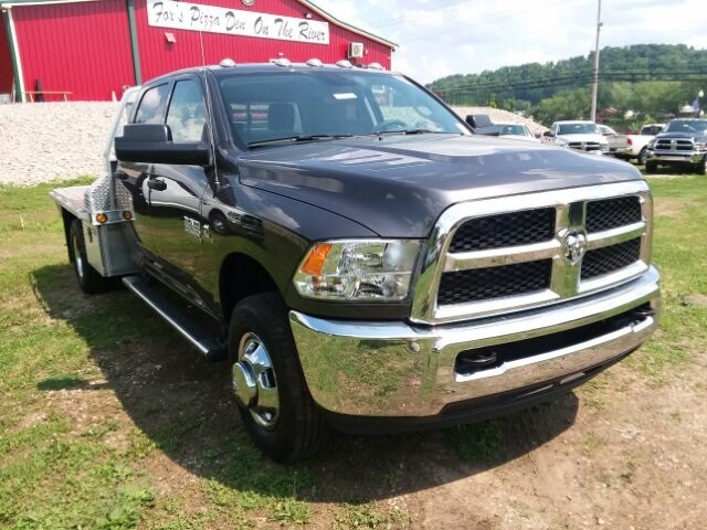 2018 Ram 3500 Crew Cab DRW 4x4,  Platform Body #C18377 - photo 7