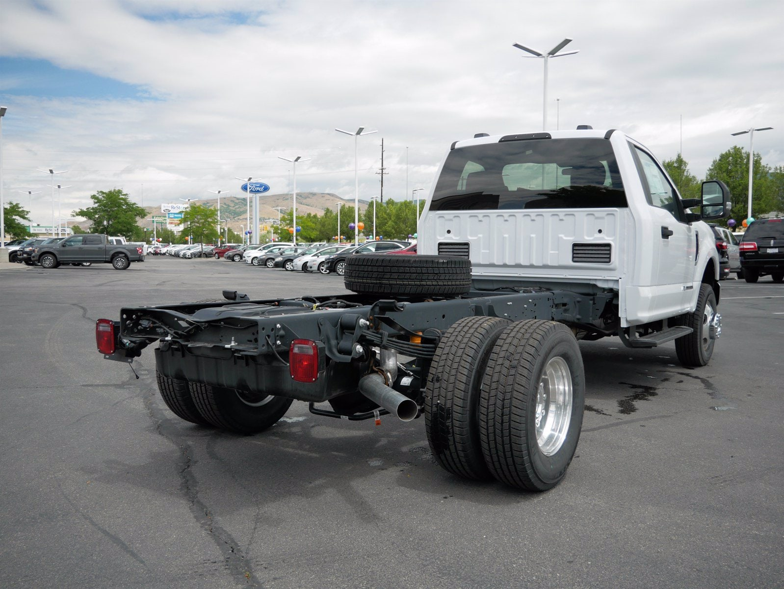 2020 Ford F-350 Regular Cab DRW 4x4, Cab Chassis #63085 - photo 1