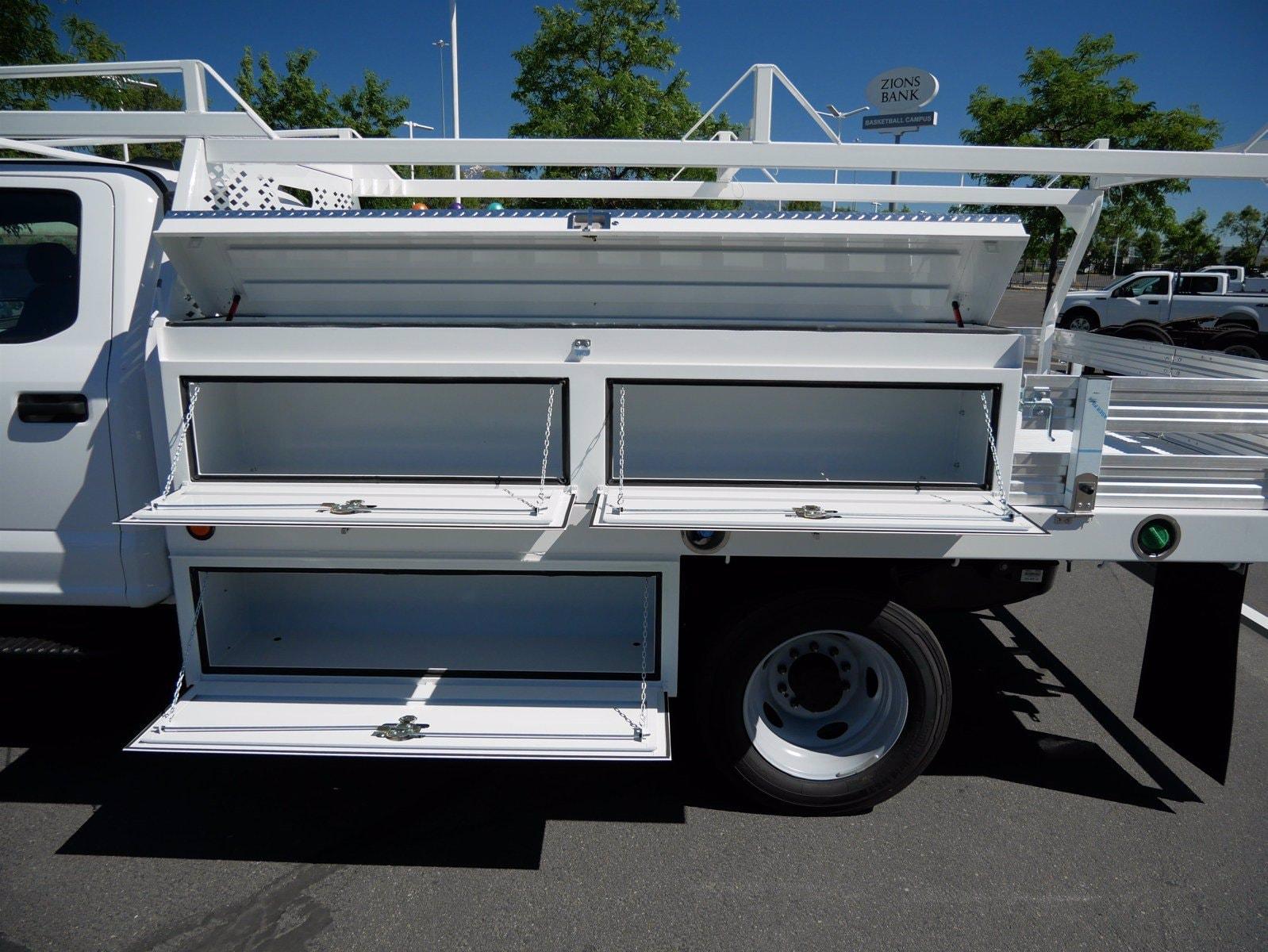 2020 Ford F-550 Crew Cab DRW 4x4, Scelzi SEC Contractor Body #63204 - photo 28