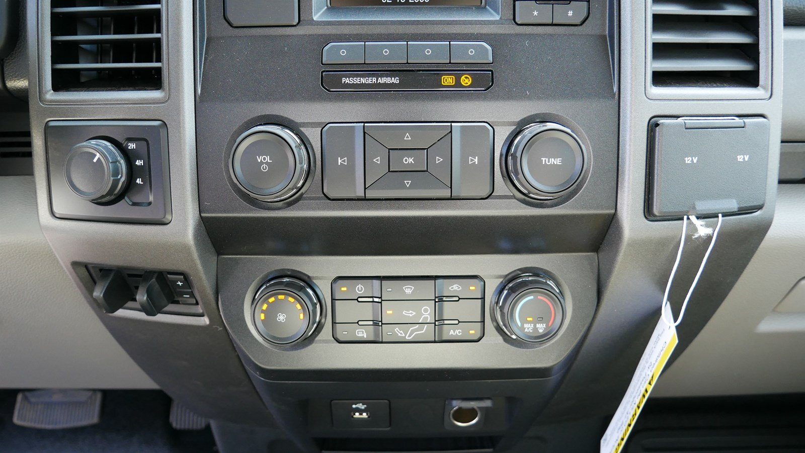 2019 F-550 Regular Cab DRW 4x4,  Scelzi Contractor Body #69285 - photo 17