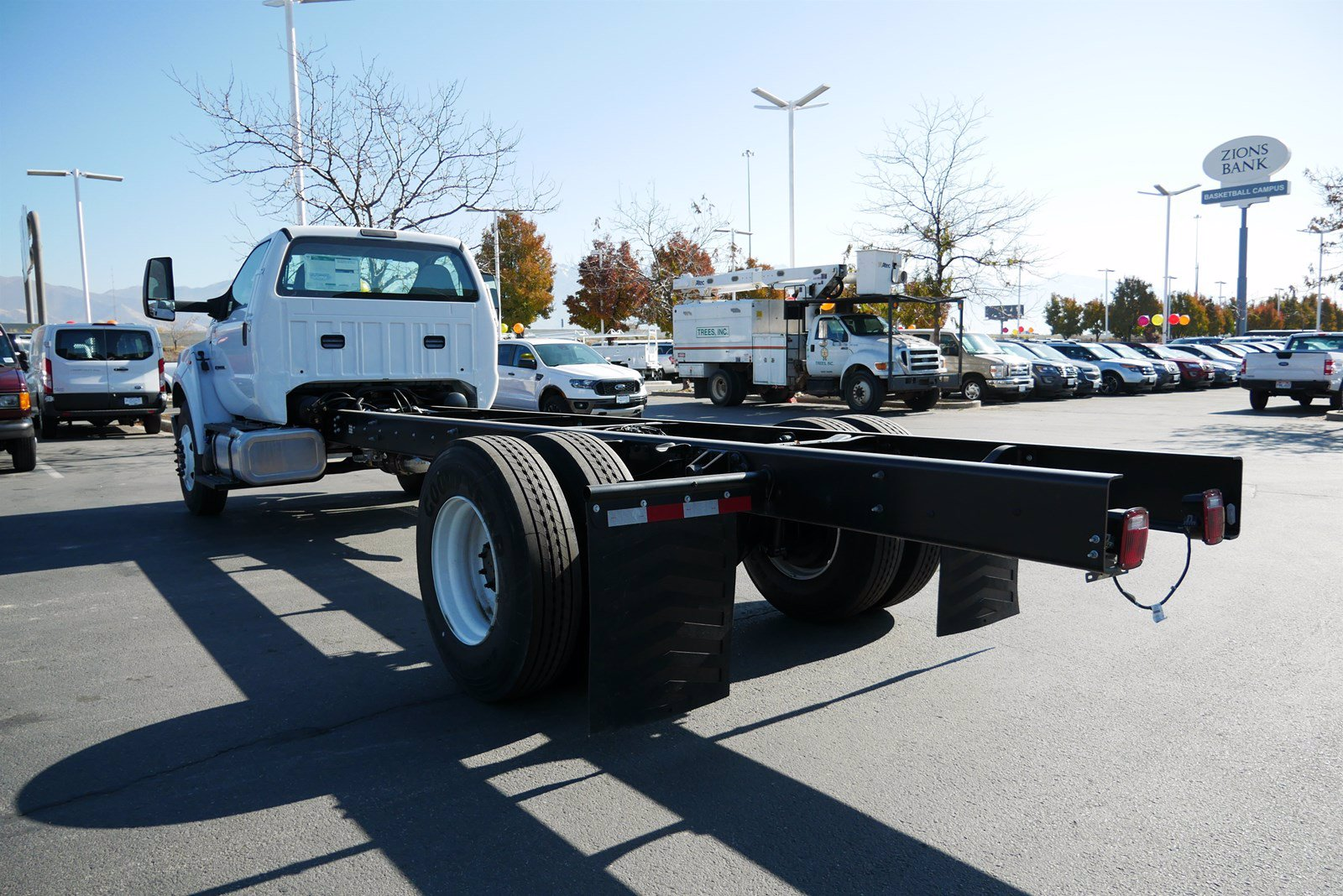 2019 Ford F-750 Regular Cab DRW 4x2, Cab Chassis #69293 - photo 6