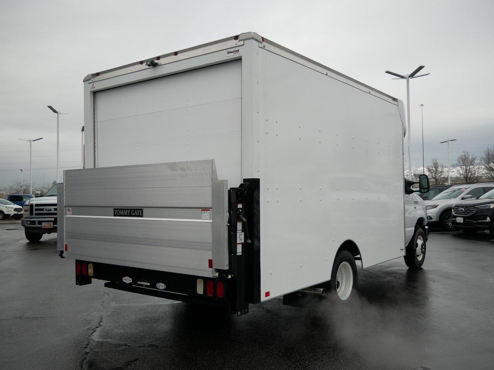 2018 E-350 4x2, Supreme Cutaway Van #69332 - photo 1