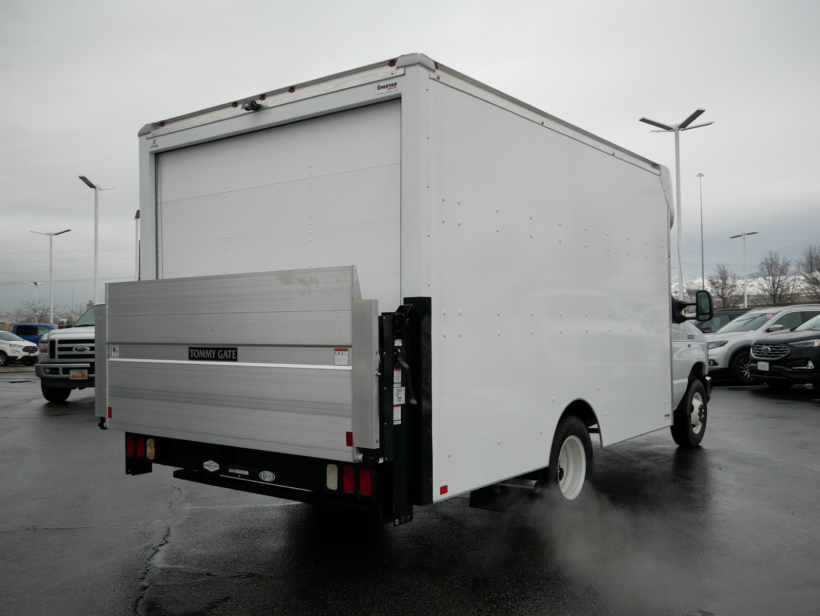 2018 E-350 4x2, Supreme Cutaway Van #69333 - photo 1