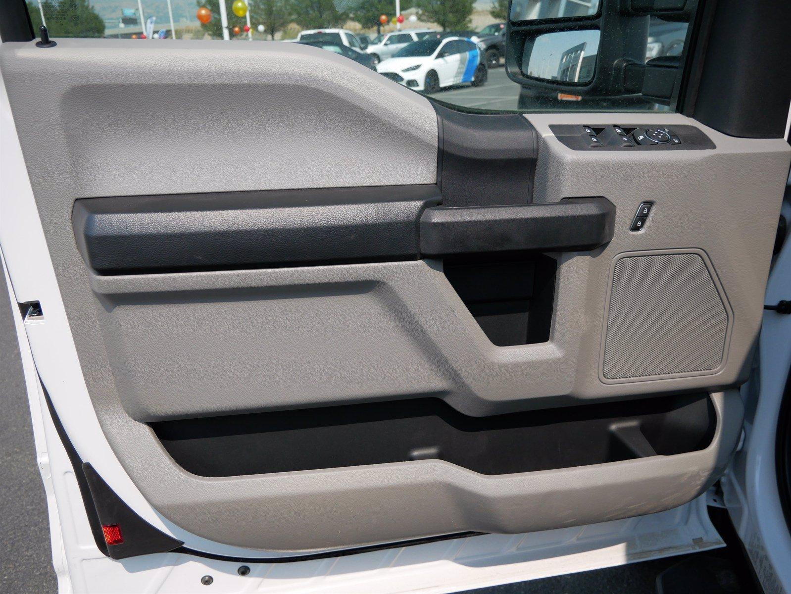2019 Ford F-550 Super Cab DRW 4x4, CM Truck Beds Platform Body #69365 - photo 9