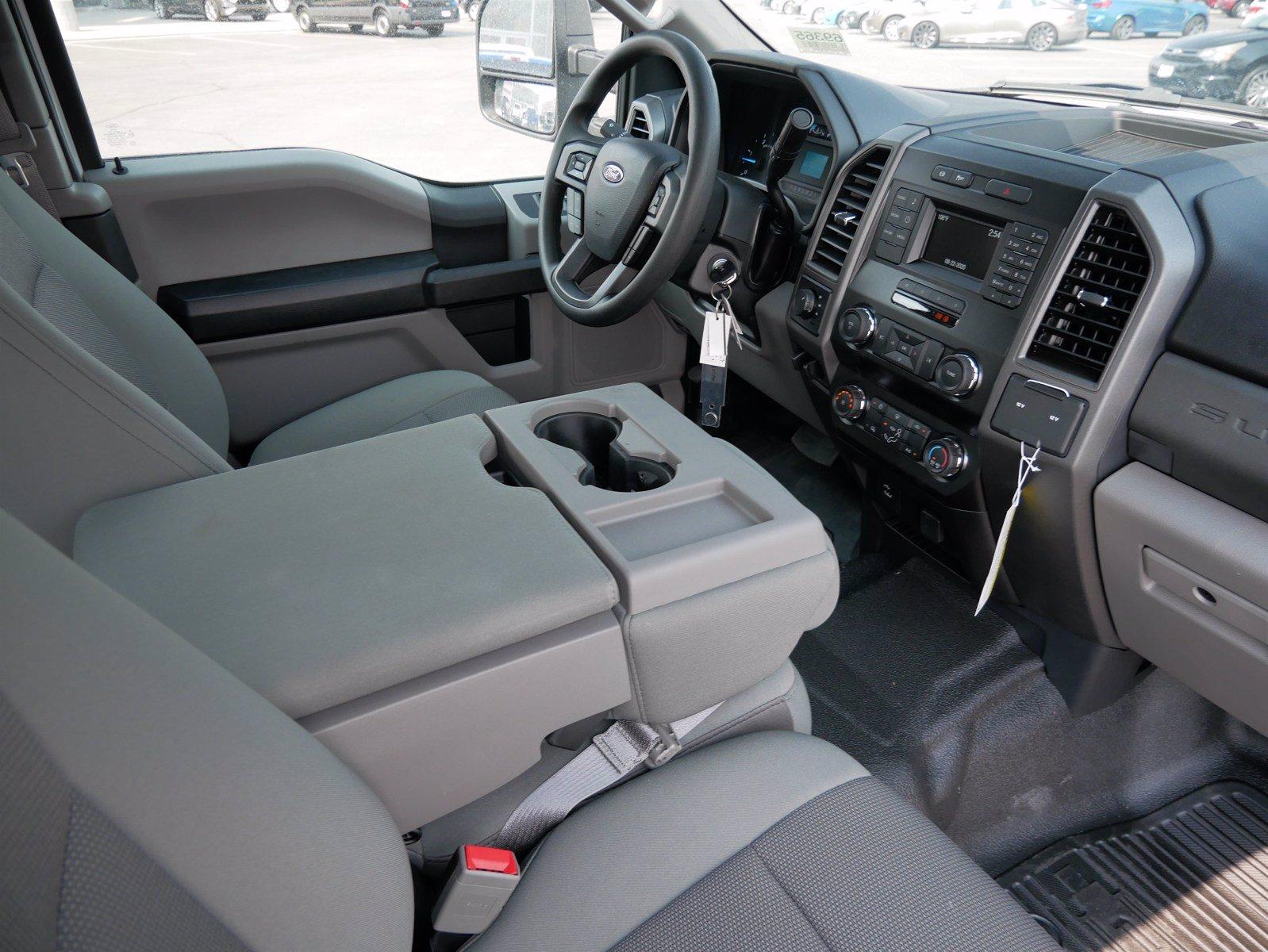 2019 Ford F-550 Super Cab DRW 4x4, CM Truck Beds Platform Body #69365 - photo 28