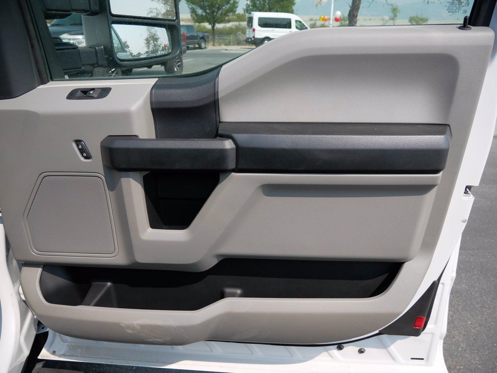 2019 Ford F-550 Super Cab DRW 4x4, CM Truck Beds Platform Body #69365 - photo 31