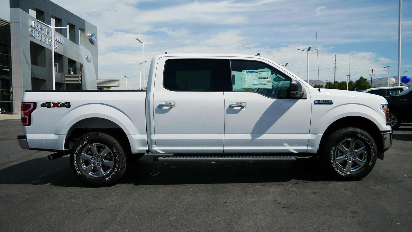 2019 F-150 SuperCrew Cab 4x4, Pickup #71010 - photo 3