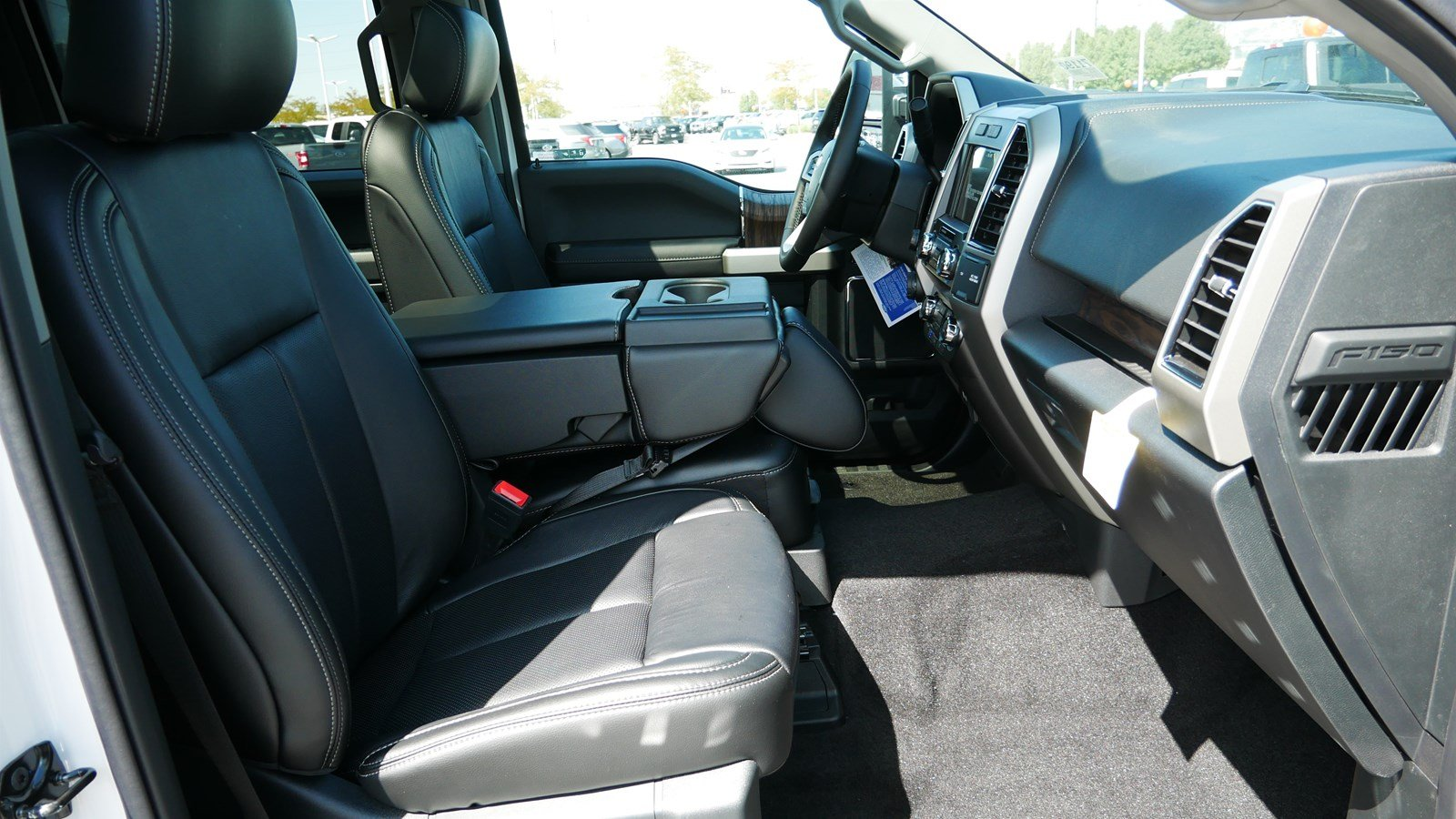 2019 F-150 SuperCrew Cab 4x4, Pickup #71190 - photo 35