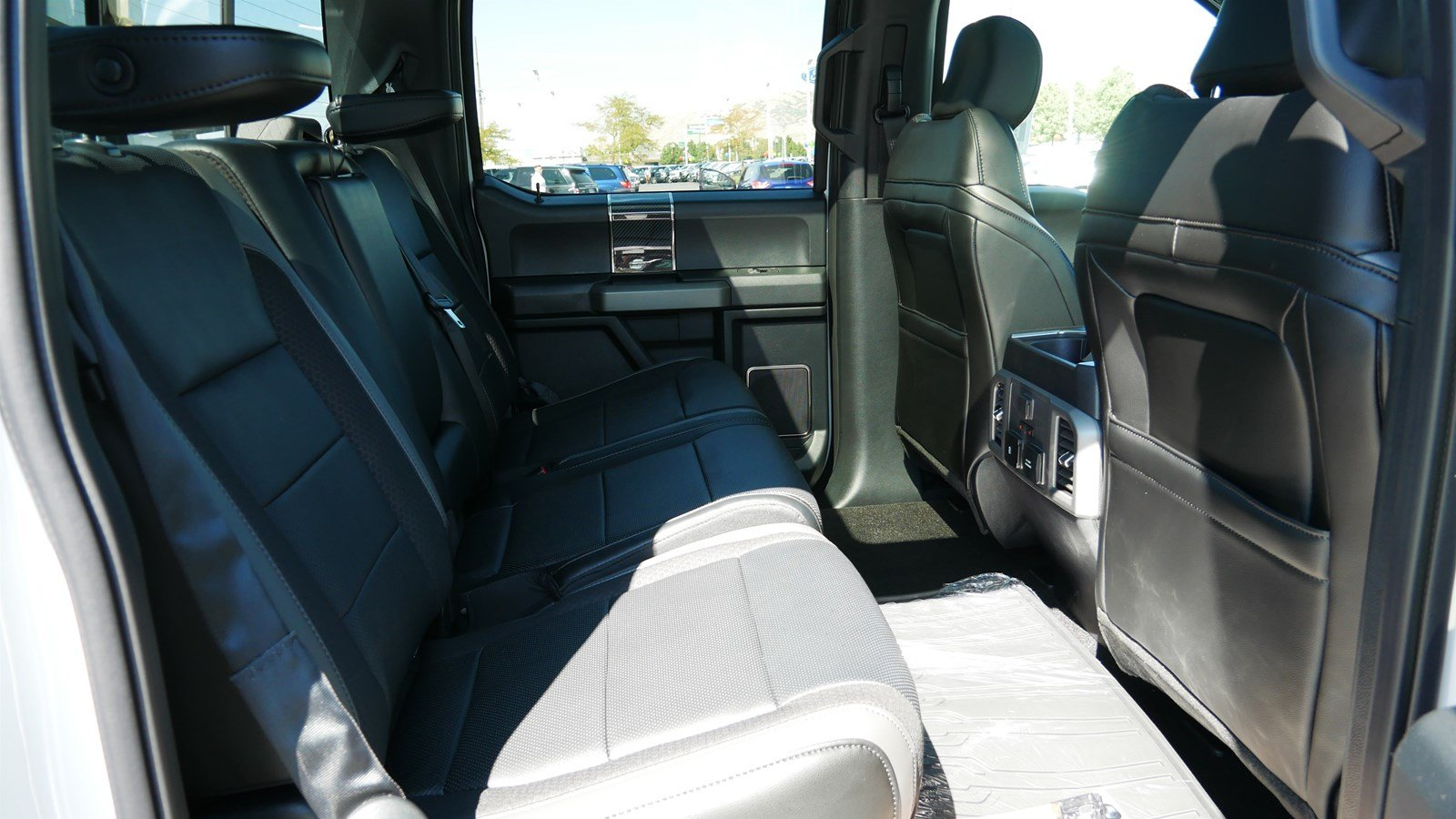 2019 F-150 SuperCrew Cab 4x4,  Pickup #71235 - photo 32