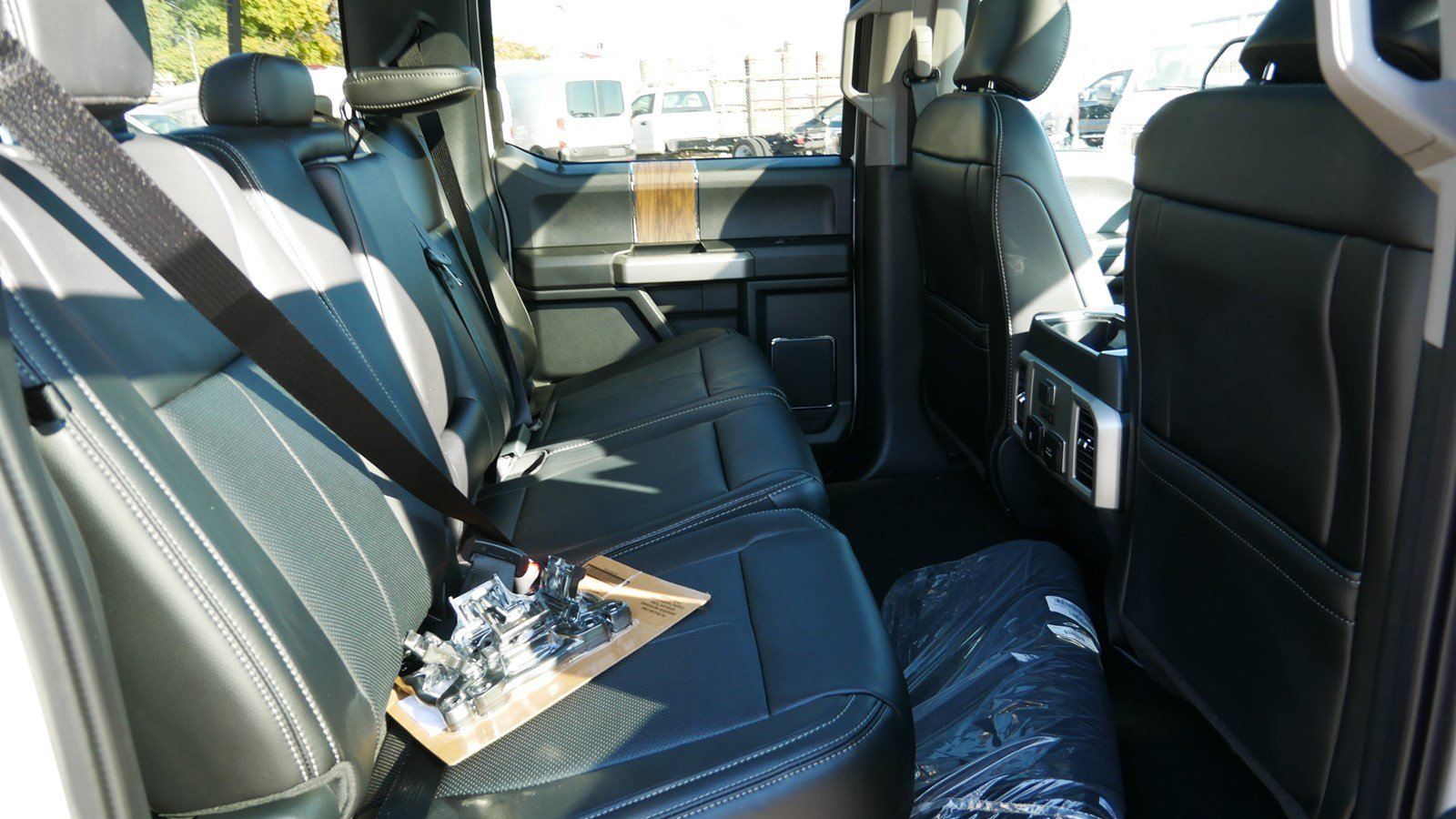 2019 F-150 SuperCrew Cab 4x4, Pickup #71294 - photo 32