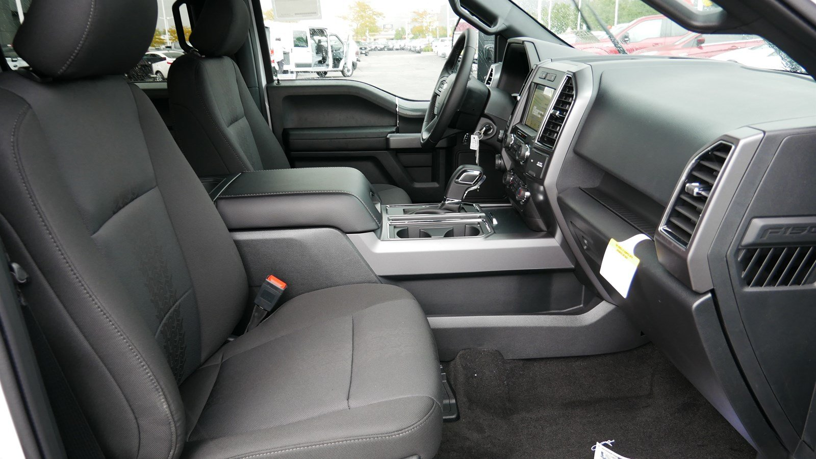 2019 F-150 SuperCrew Cab 4x4, Pickup #71344 - photo 34