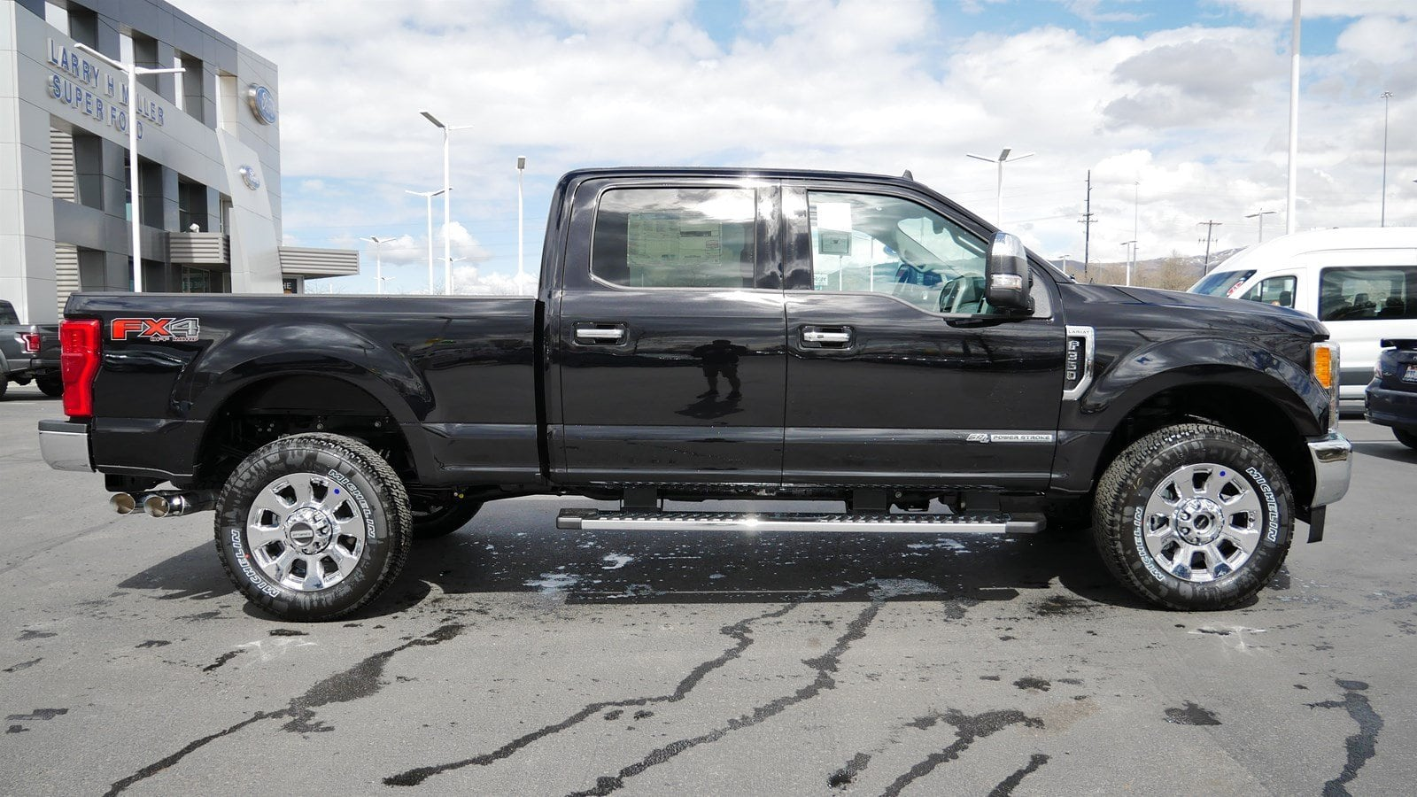 2019 F-350 Crew Cab 4x4,  Pickup #77137 - photo 3