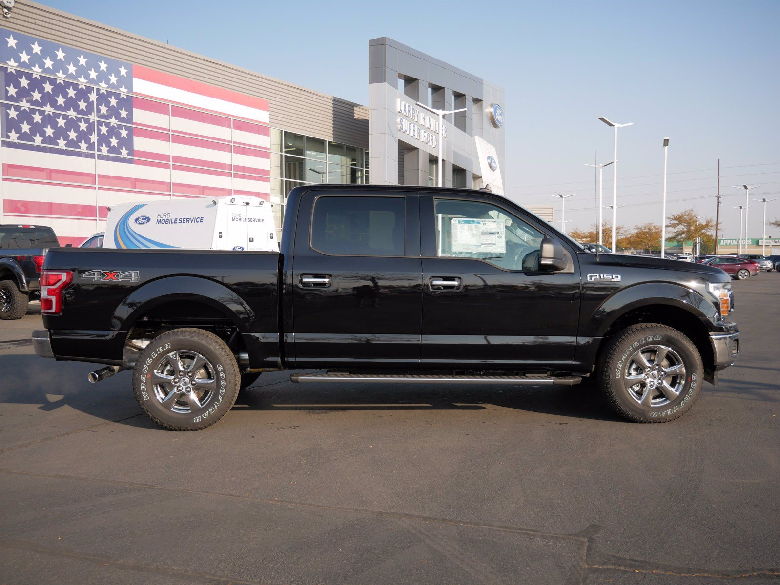 2020 Ford F-150 SuperCrew Cab 4x4, Pickup #85796 - photo 3