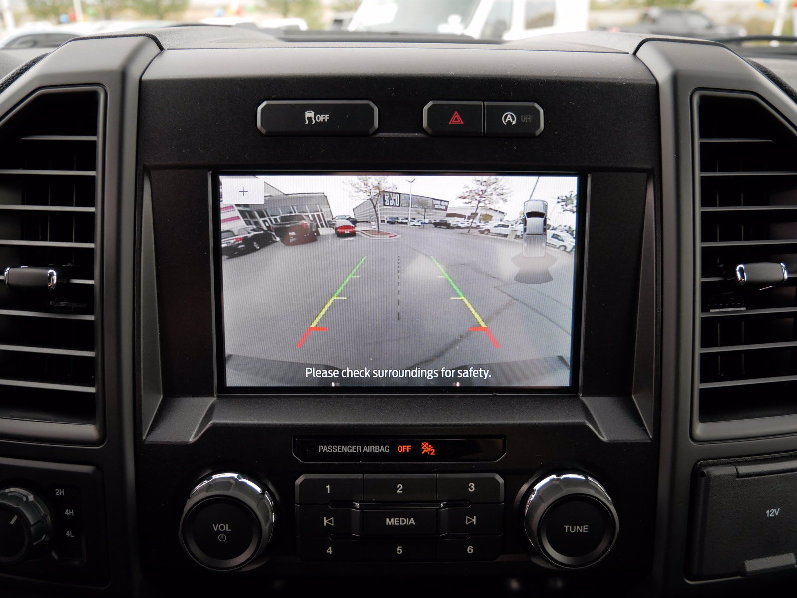2020 Ford F-150 SuperCrew Cab 4x4, Pickup #88197 - photo 20