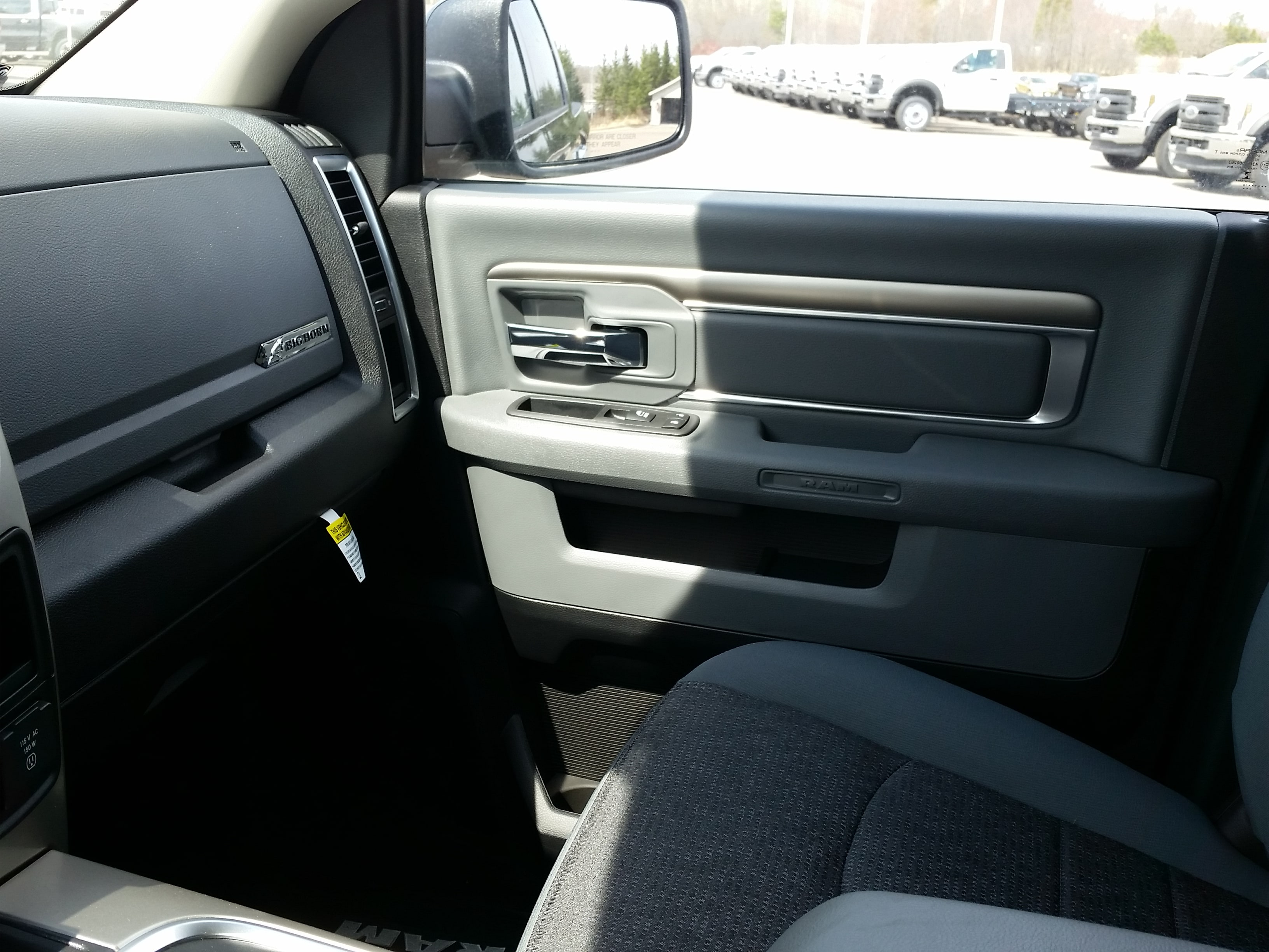 2018 Ram 1500 Crew Cab 4x4,  Pickup #10821 - photo 10