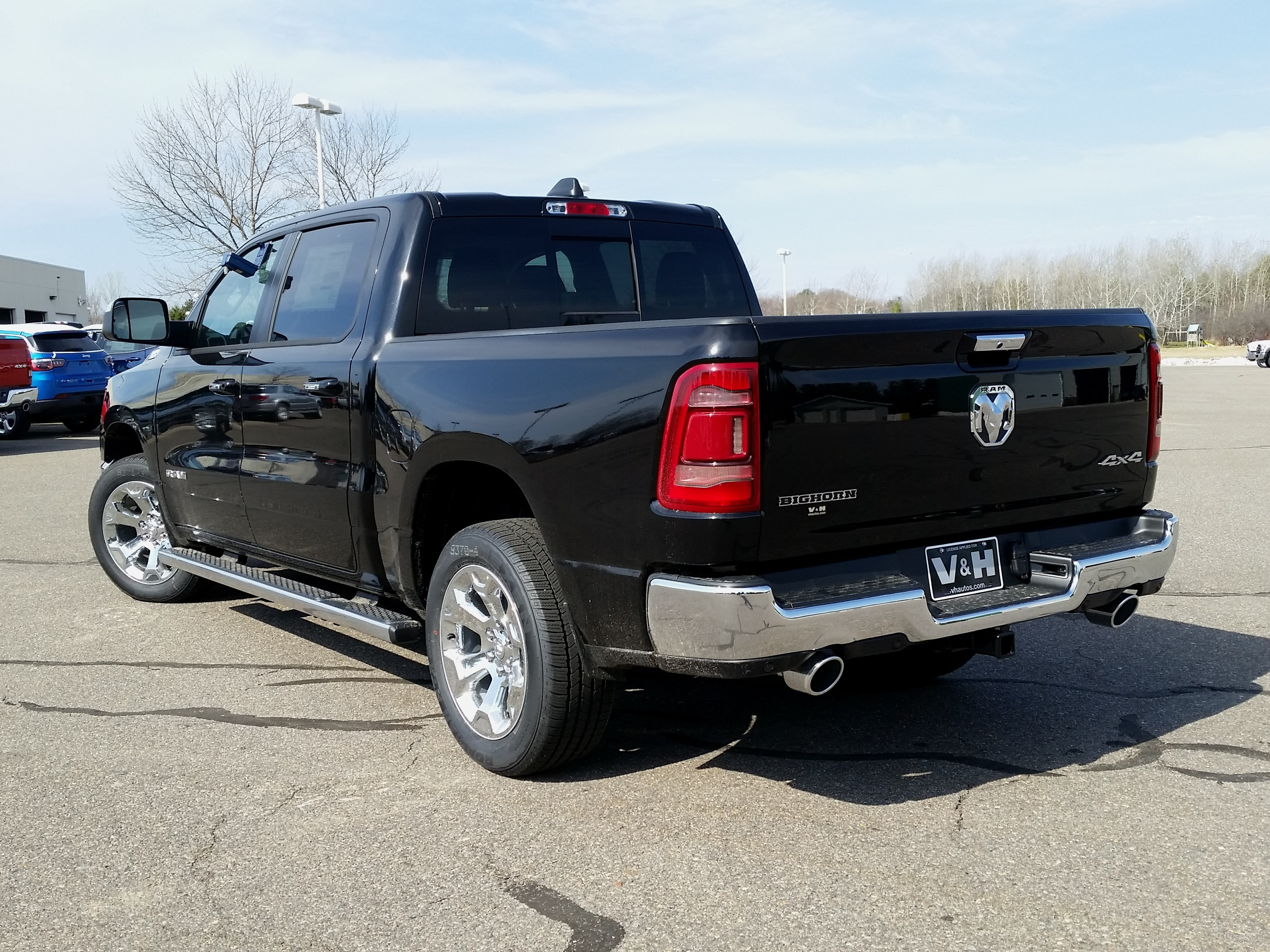 2019 Ram 1500 Crew Cab 4x4, Pickup #10888 - photo 2