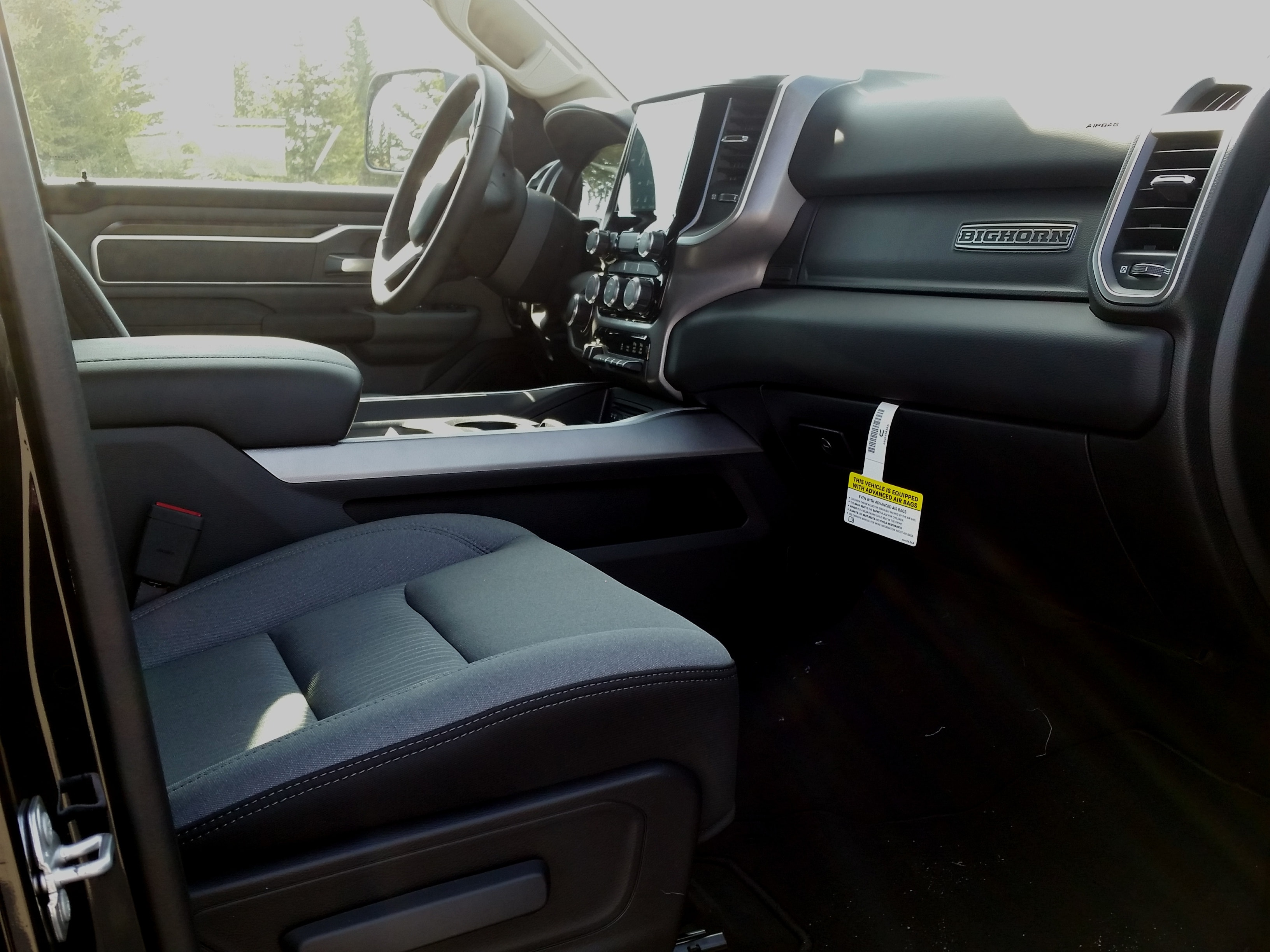 2019 Ram 1500 Crew Cab 4x4, Pickup #10888 - photo 4