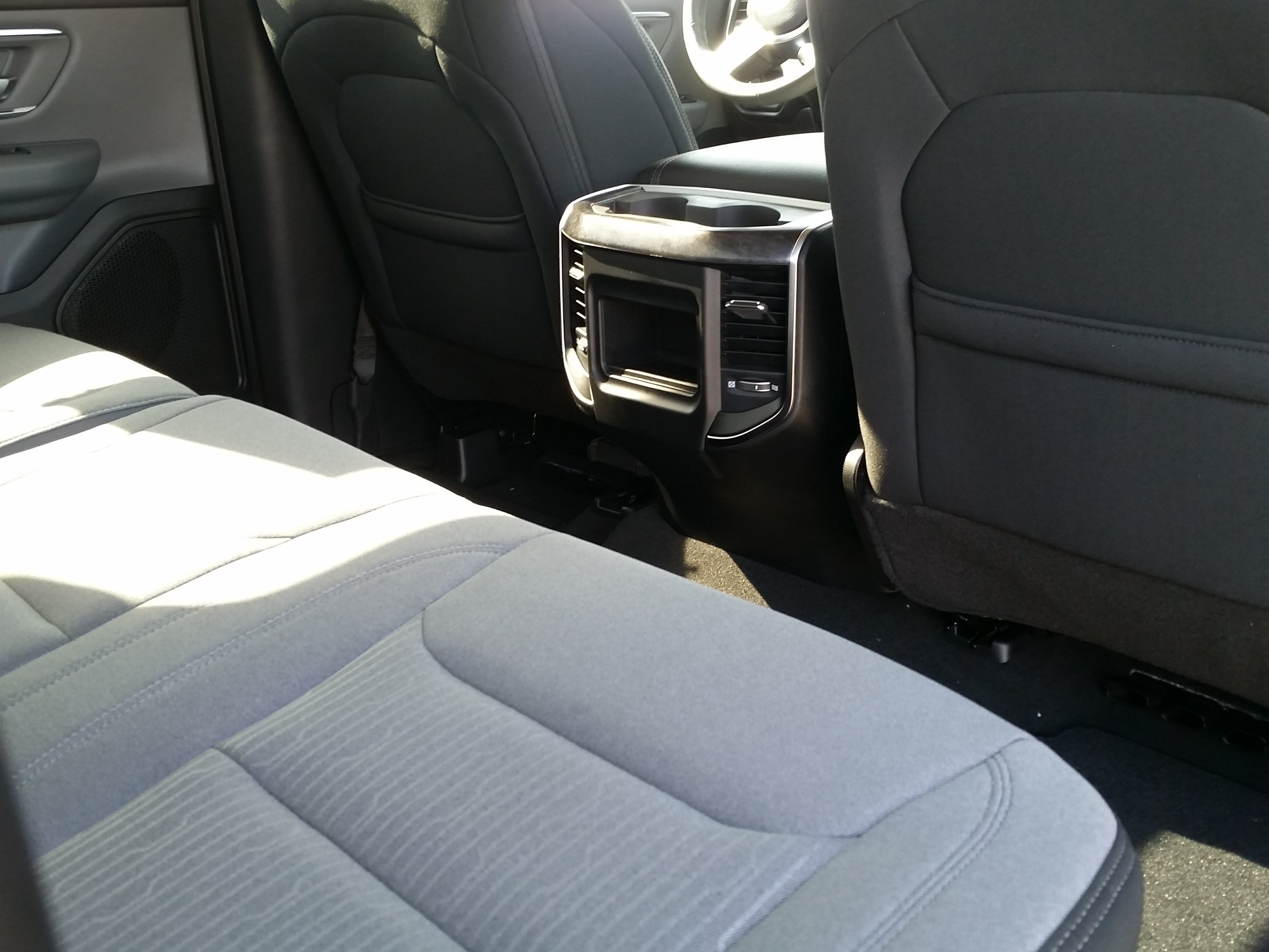 2019 Ram 1500 Crew Cab 4x4, Pickup #10888 - photo 5