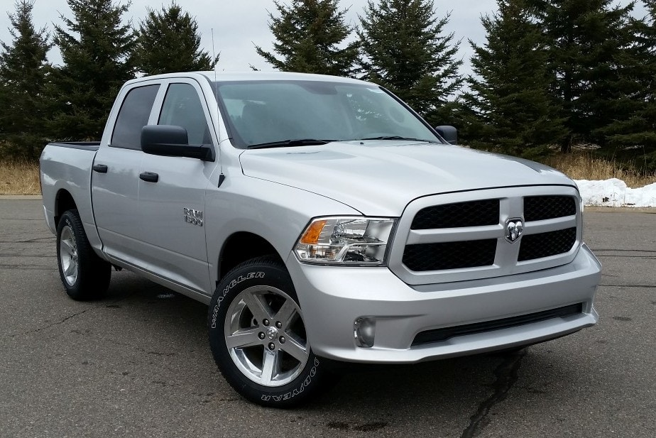 2018 Ram 1500 Crew Cab 4x4, Pickup #10928 - photo 4