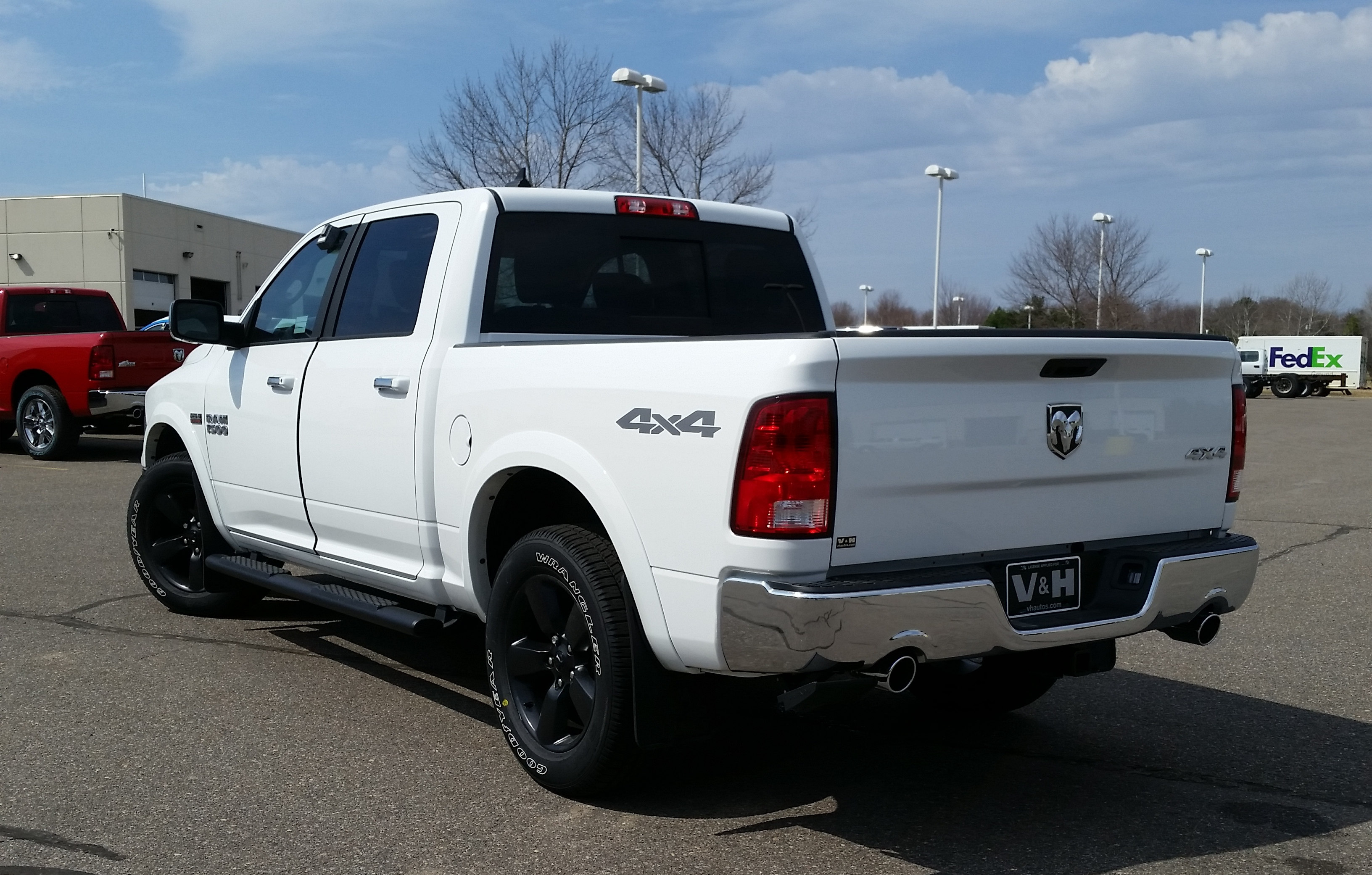 2018 Ram 1500 Crew Cab 4x4, Pickup #10975 - photo 2