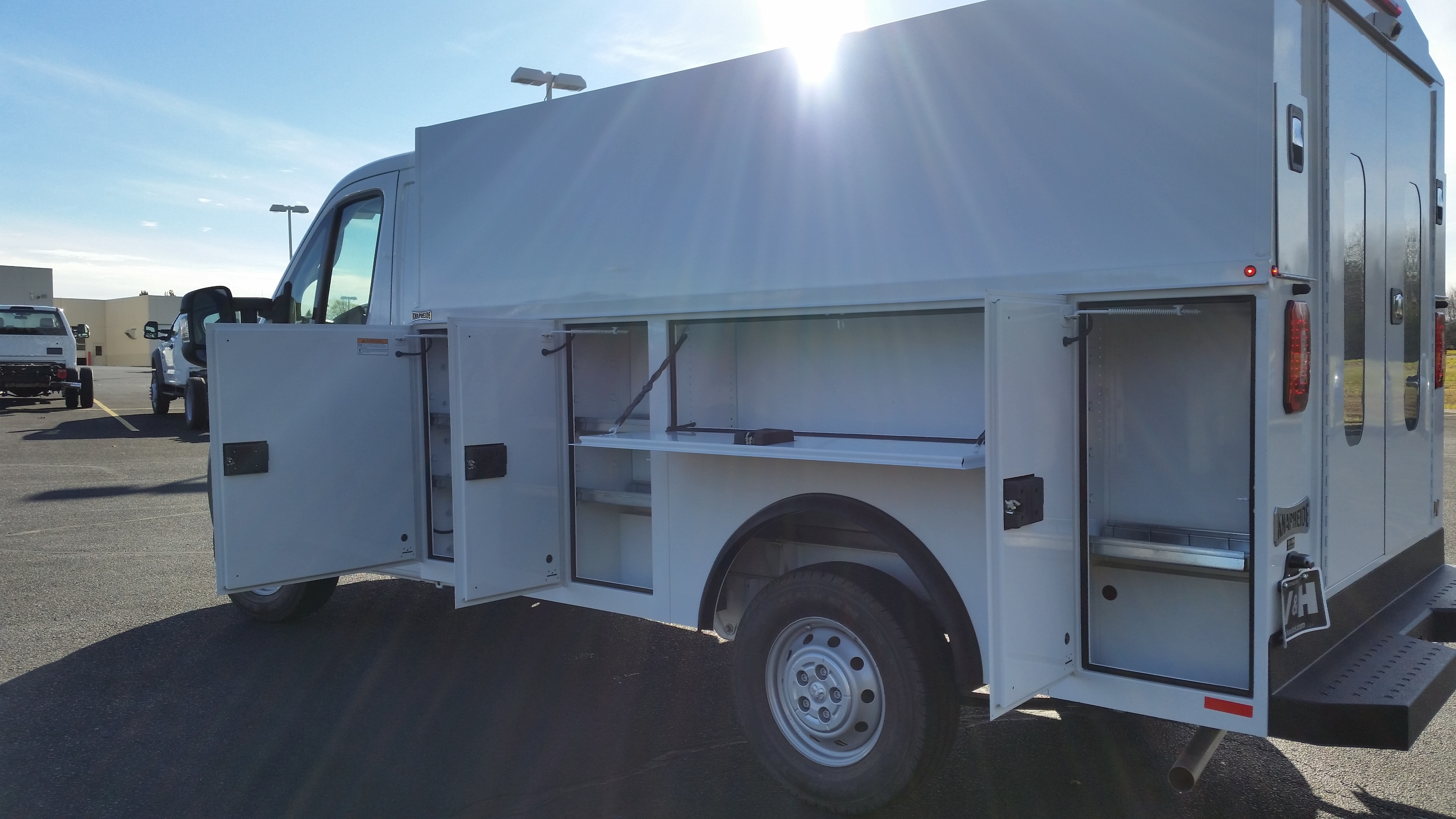 2018 ProMaster 3500 Standard Roof FWD,  Service Utility Van #11131 - photo 22