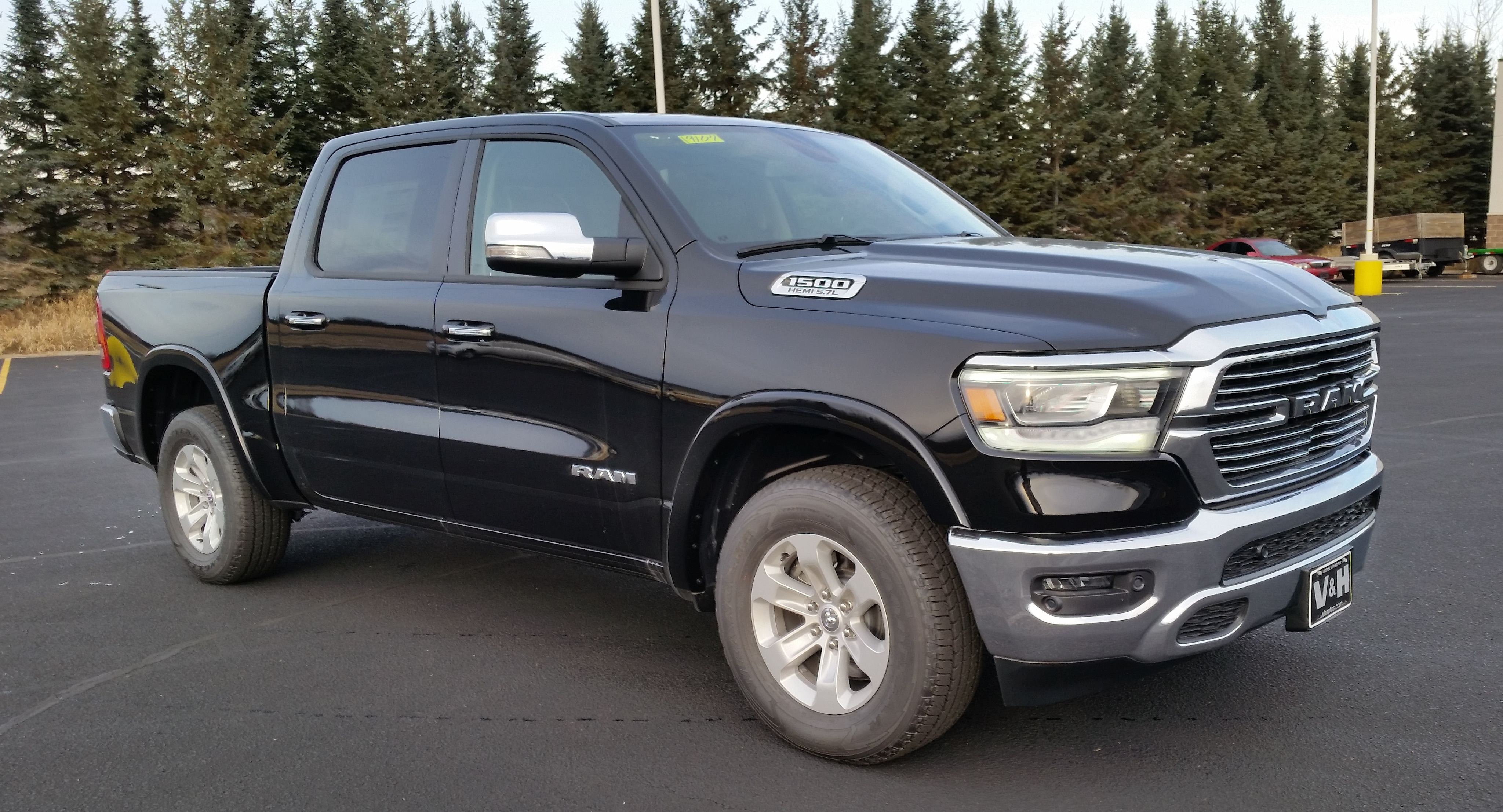 2019 Ram 1500 Crew Cab 4x4,  Pickup #11189 - photo 5