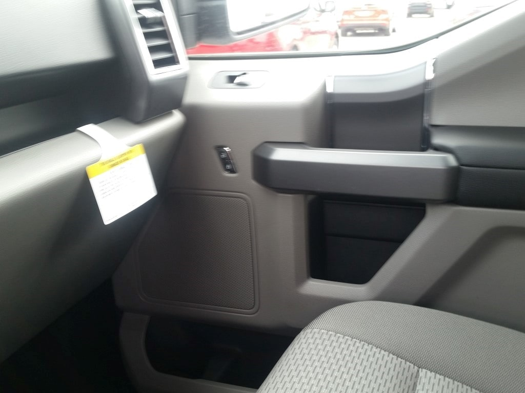 2018 F-150 SuperCrew Cab 4x4, Pickup #21794 - photo 20