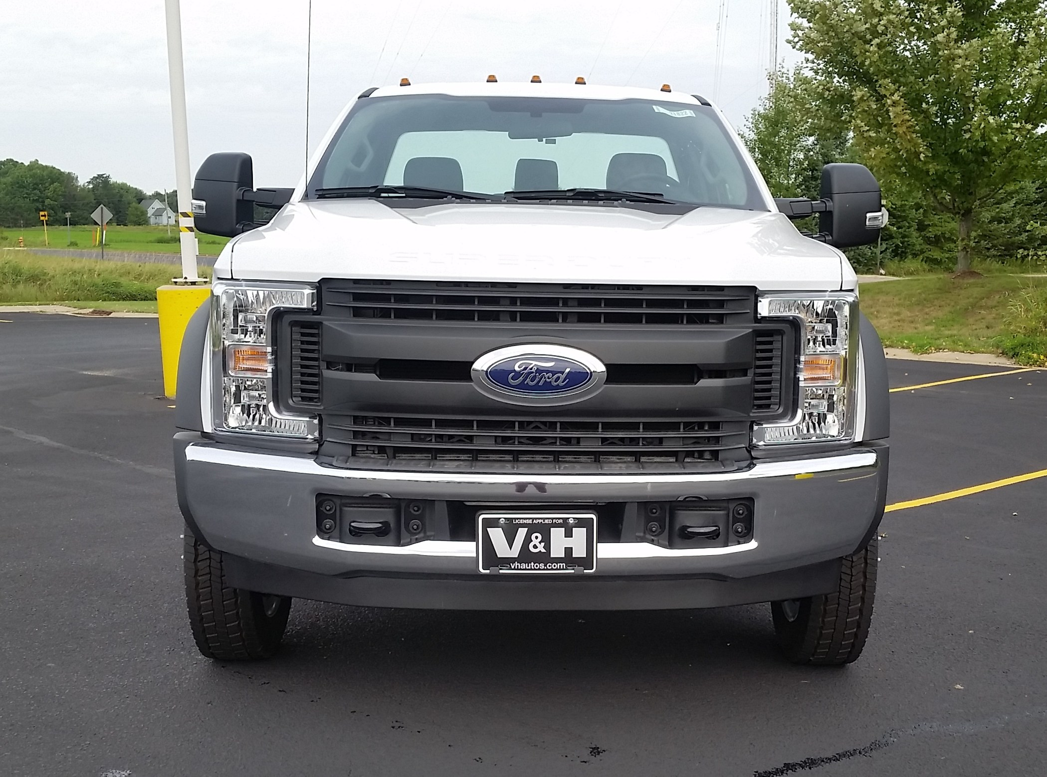 2018 F-550 Regular Cab DRW 4x2,  Cab Chassis #21821 - photo 5